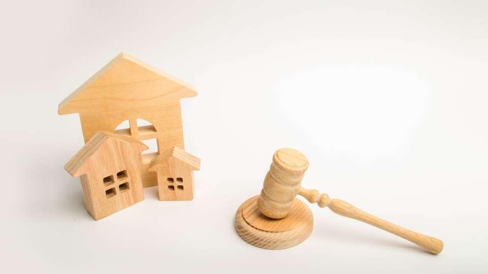 mazo del derecho con casas
